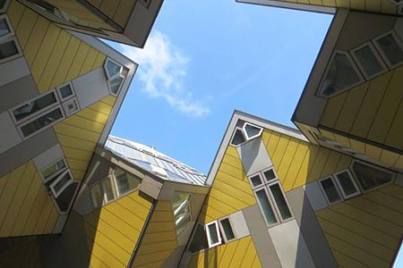 architectuurwandeling langs de kubushuizen in rotterdam